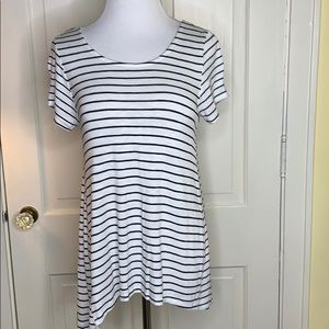 Mossimo white short sleeve with thin black stripes